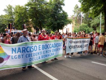 Noi cristiani LGBT in cammino con i nostri genitori nel Bologna Pride (Sabato 7 luglio 2018)